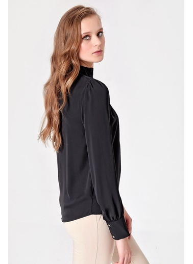 Jument Excellent Yarım Balıkçı Bağlamalı Sırt V Yaka Bluz Siyah